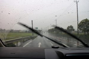 ワイパー、雨の日