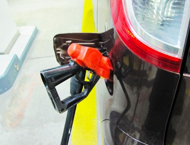ガソリン給油